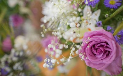 Choosing the Right Flowers for Your Wedding