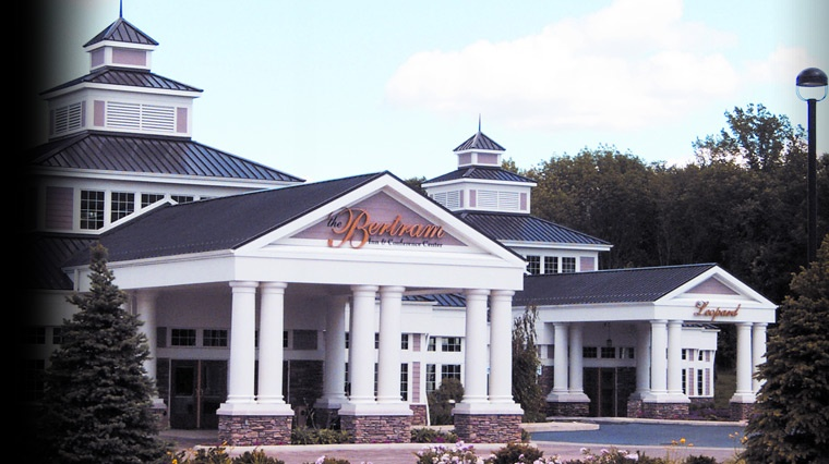 Cleveland Wedding Venue Spotlight: Bertram Inn & Conference Center